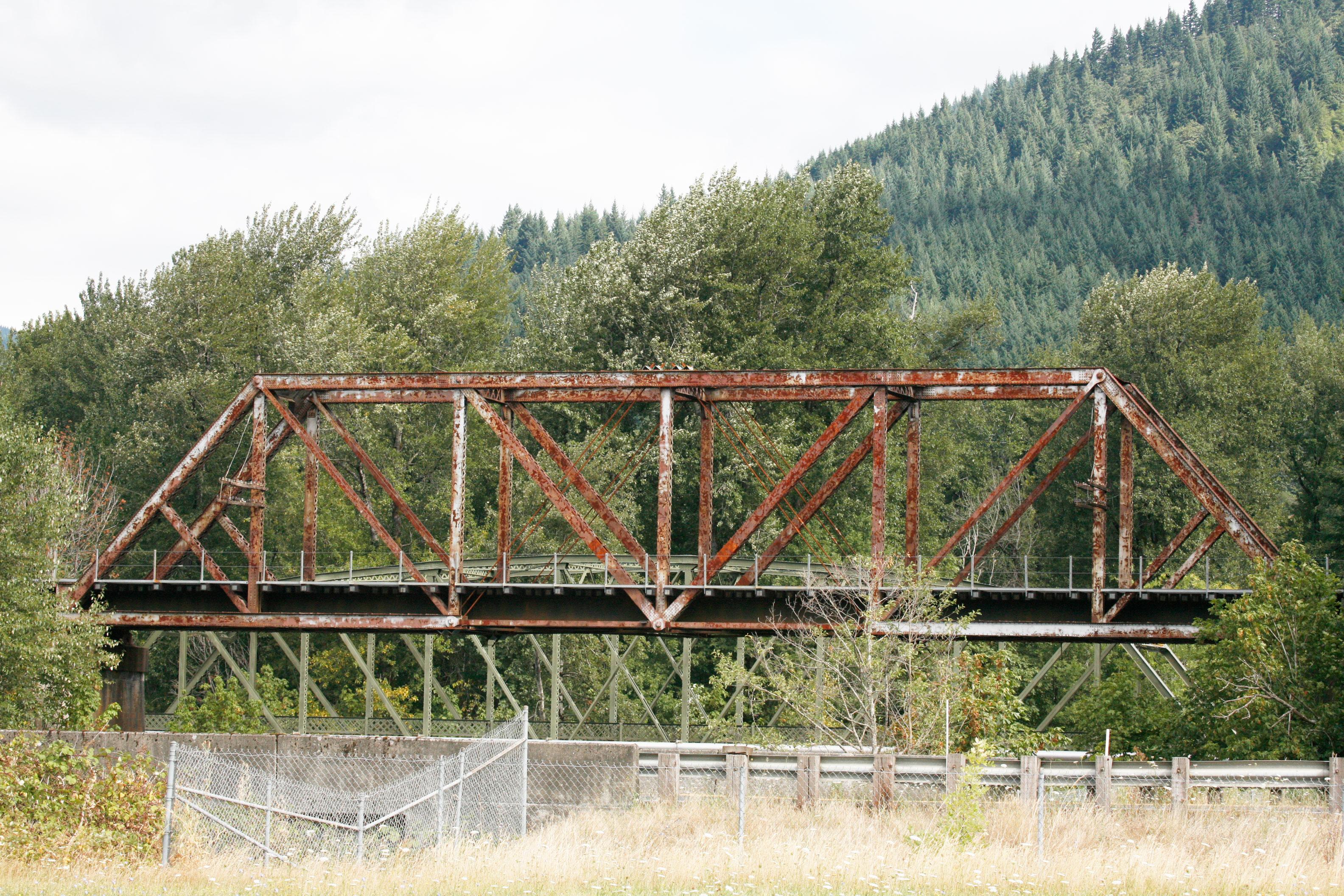 Replacing An Old Truss Bridge Trains Magazine News Wire Diagram Beam Bridges Its